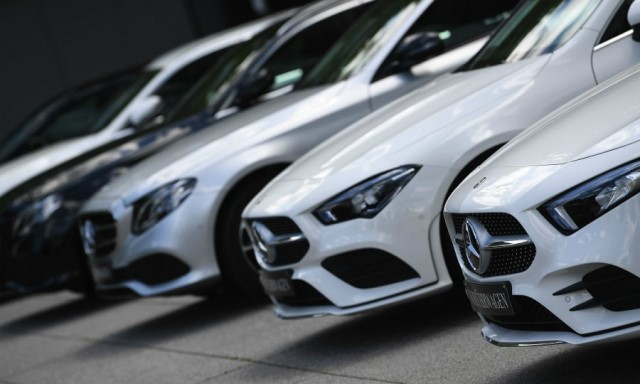 Daimler notes car recovery faster than expected