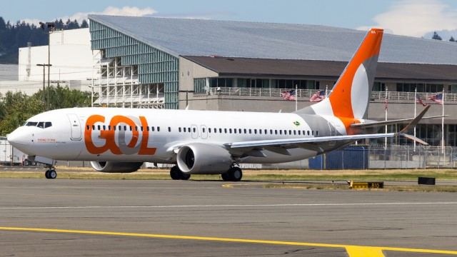 B737 MAX completes its first trip with passengers 20 months later from the Sao Paulo airport