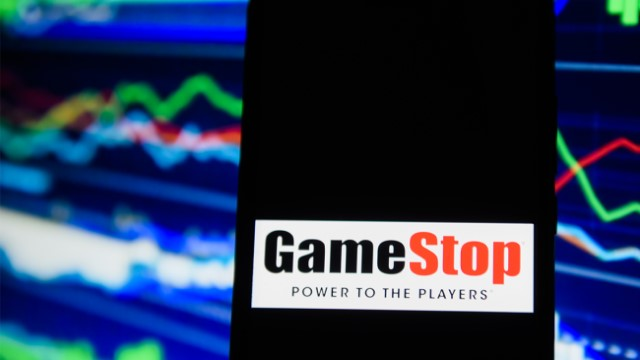 Maximum tension in the dispute between Reddit and vulture funds over GameStop shares