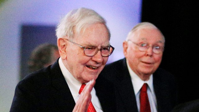 Buffett and Munger charge against SPAC, bitcoin, and free brokers