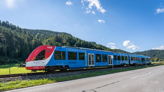 Alstom's hydrogen train successfully completes three months of tests in Austria
